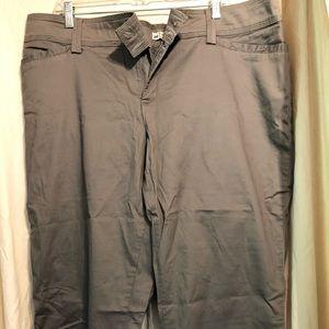 Lee Capri Style pants